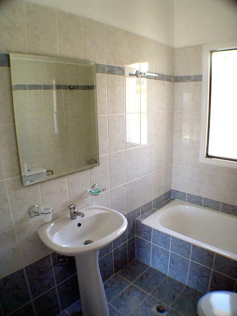 Image of the Bathroom Liberatos Village Lassi Kefalonia CLICK TO ENLARGE