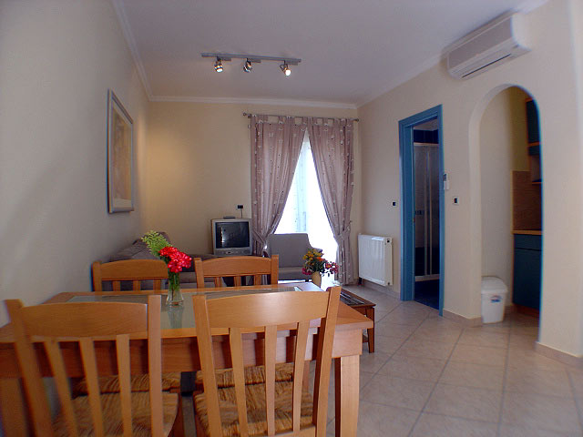Room Picture 9 Muses Hotel Skala Kefalonia CLICK TO ENLARGE